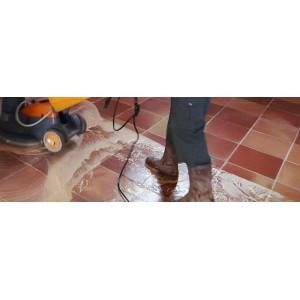 Traitement de votre sol par notre équipe technique