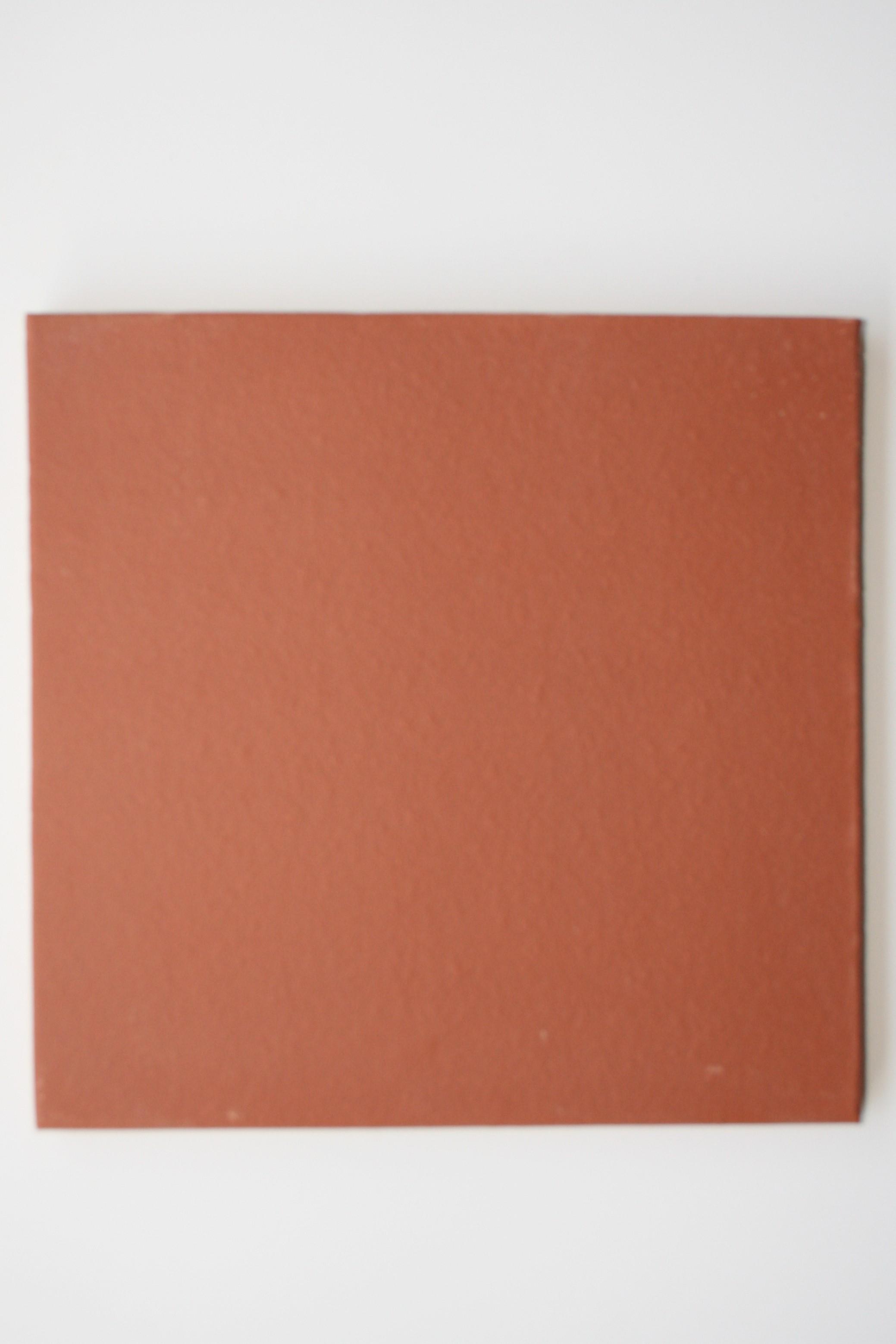 Carreaux terre cuite lisse rouge 27x27x1.6 cm bords arrondis