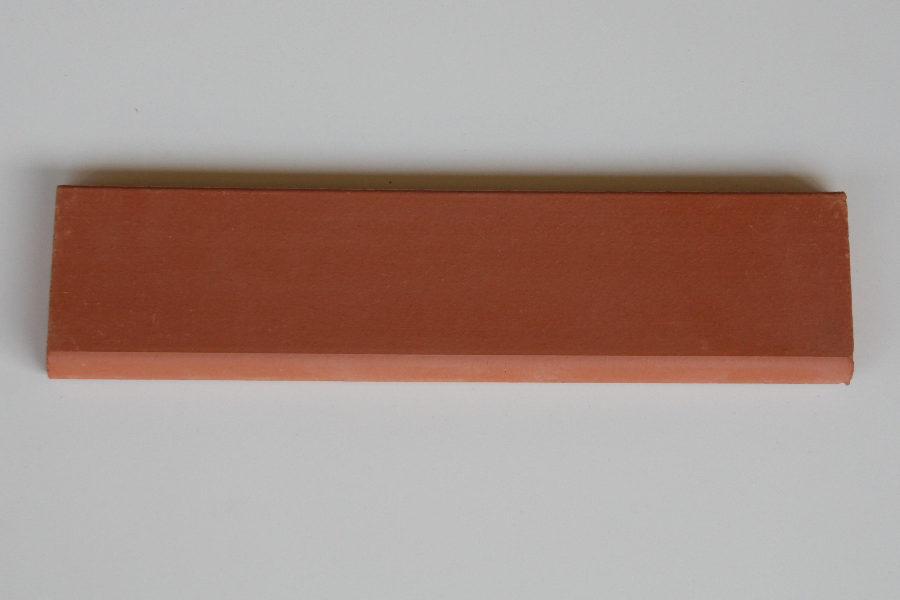 Plinthe en terre cuite lisse saumon 28x6.5x1.3 cm