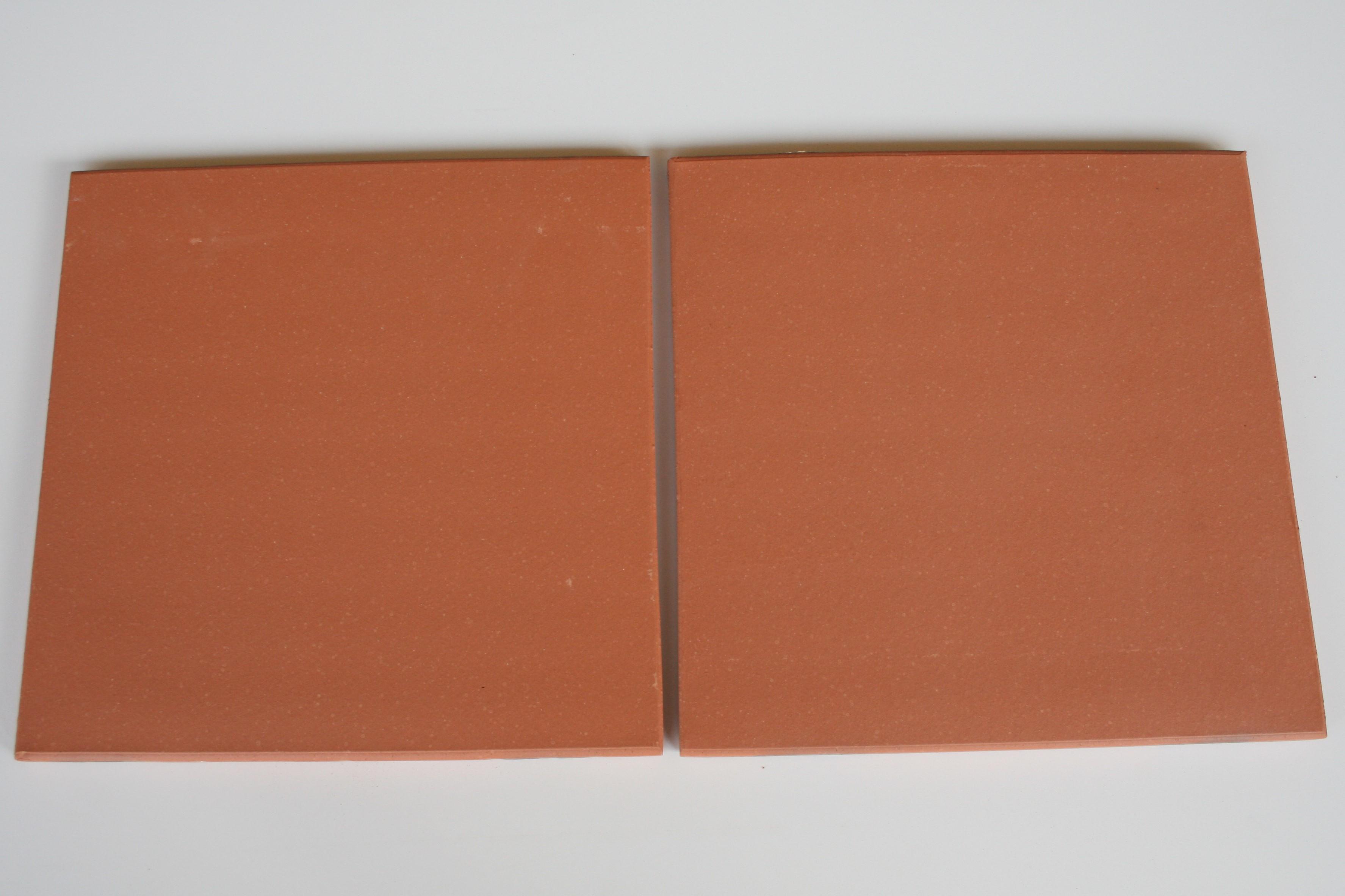 Carreaux terre cuite lisse saumon 37x37x1.7 cm bords arrondis